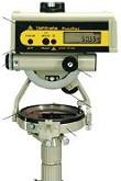 雷射測距羅盤儀